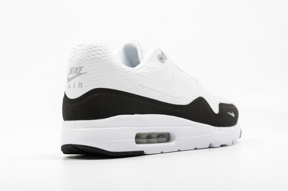 air max 1 ultra essential blanche et noir