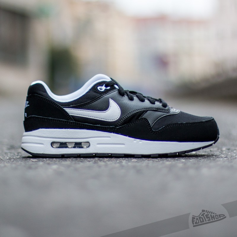 nike air max 1 gs, Nike Air Max 1 (GS) Black/ White at a great price $77 buy